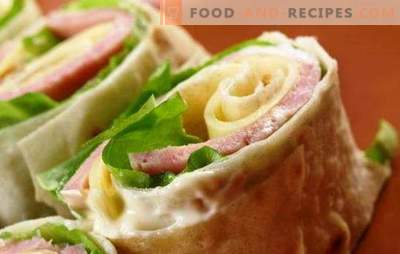 Take the road: pita with sausage and cheese. Design options and fillings for pita bread with sausage and cheese
