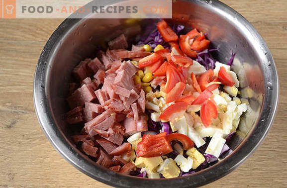 Red cabbage salad - bright, tasty, vitamin! How to quickly cook a salad of red cabbage with pepper, corn, sausage and eggs