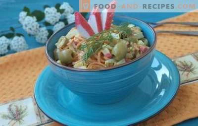 Crab salad with carrots is a budget snack. Recipes for Crab Salad with Carrots: Nourishing and Light Dietary