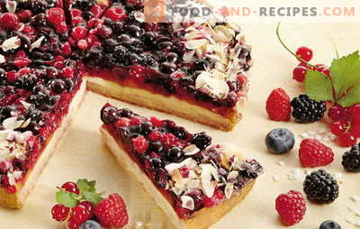Sandwich with berries - delicious homemade cakes for tea or coffee. A selection of the best recipes for shortbread with berries