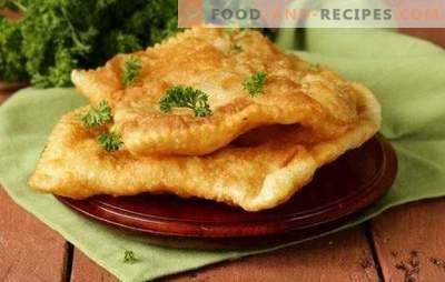 Chebureks puff - crispy pastries. Chebureks from puff pastry with meat, mushrooms, cheese, ham or cottage cheese