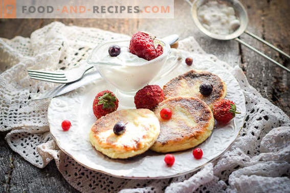 Cheesecakes with oatmeal in a pan for 20 minutes