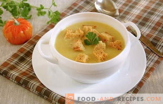 Cream soup with croutons - a universal idea for lunch! Potato cream soup with croutons and vegetables, mushrooms, chicken