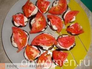 Mother-in-law of eggplants with tomatoes