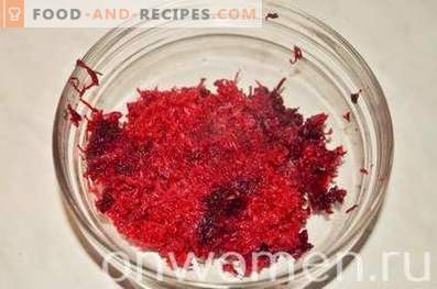 Caviar of beets, onions and garlic