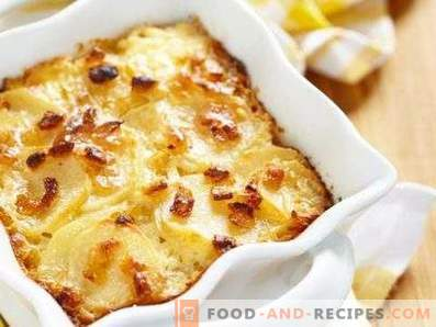 Potatoes in sour cream in the oven