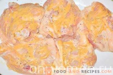 Baked chicken thighs in mustard