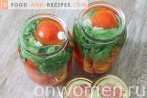 Pickled tomatoes with carrots
