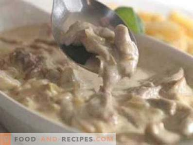 Pork stewed in sour cream