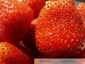 How to freeze strawberries for the winter