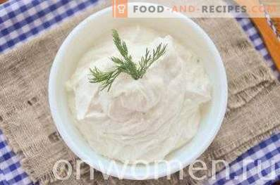 Curd Cream with Provencal Herbs