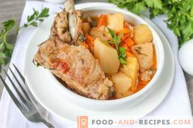 Pork ribs stewed with potatoes