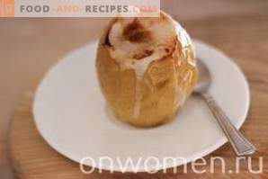 Baked apples with sugar in the oven