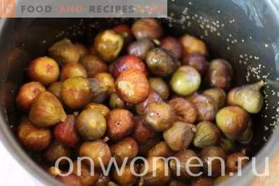 Fig jam in a slow cooker