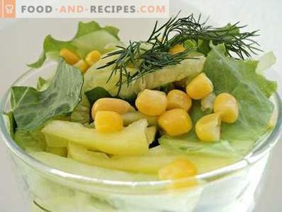 Salad with corn, cucumber and pepper