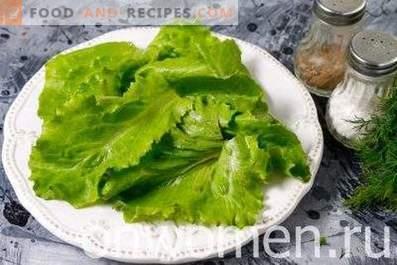 Salad with mozzarella and persimmon