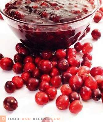 Lingonberry in syrup for the winter without cooking