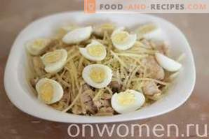 Salad with Chicken, Cabbage and Cheese