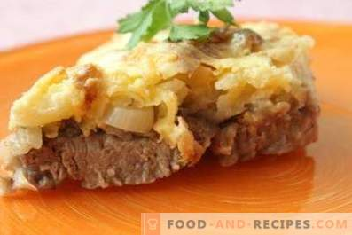 Meat with cheese and mayonnaise in the oven