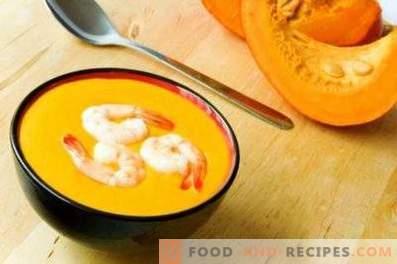 Pumpkin soup with shrimp puree