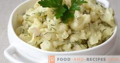 Cauliflower stewed in sour cream