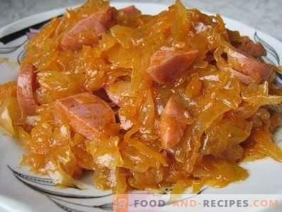 Sauerkraut stewed with sausage