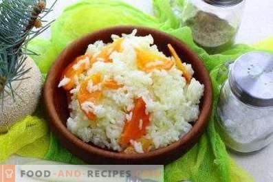 Rice for garnish on pan