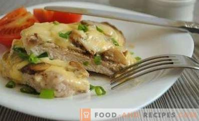Chicken breast chops with mushrooms and cheese