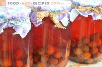 Compote from plums for the winter
