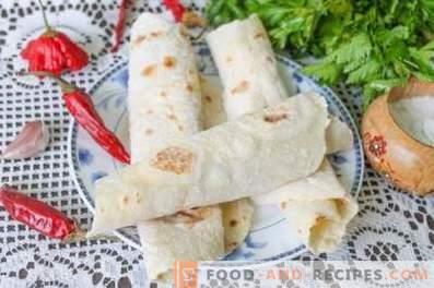 Pita bread at home