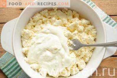 Cottage cheese casserole with currants in a slow cooker