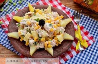 Salads with corn and chicken