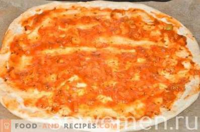 Pizza with chicken and corn on yeast dough