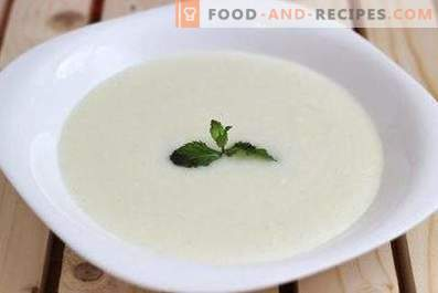 Semolina porridge with milk in a slow cooker