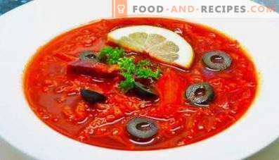 Borsch with lemon