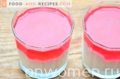 Cheese dessert with jelly