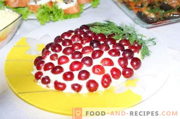 Tiffany Salad with Chicken and Grapes