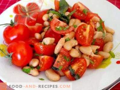 Salads with tomatoes and beans