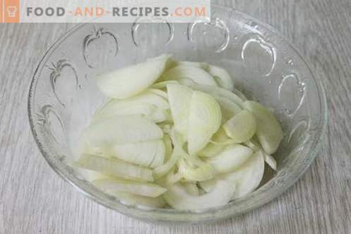 Salad for the winter of peppers and tomatoes with aspirin - the ideal method of canning