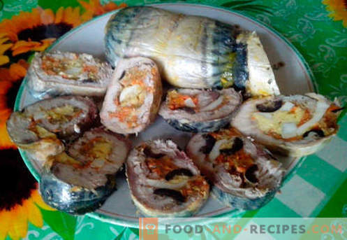 Mackerel roll - the best recipes. How to properly and tasty cook mackerel roll.