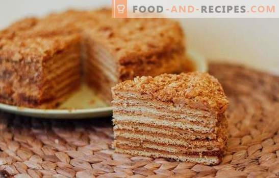Honey cake on a water bath - aromatic pastries. Recipes honey cake on a water bath with different creams, nuts