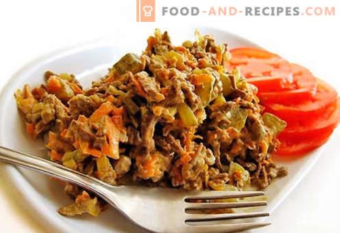 Beef liver salad - proven recipes. How to cook beef liver salad.