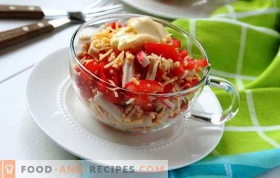 Crab salad with tomatoes and cheese is beautiful! Crab salad with cheese and tomato