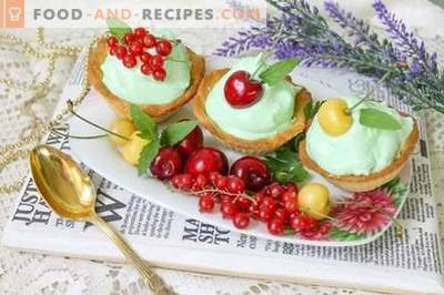 Sand baskets with protein cream and berries - taste and beauty!