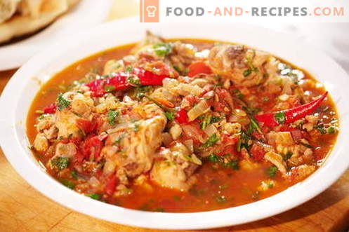 Chicken's chicken recipes are the best recipes. How to cook chakhokhbili from chicken.
