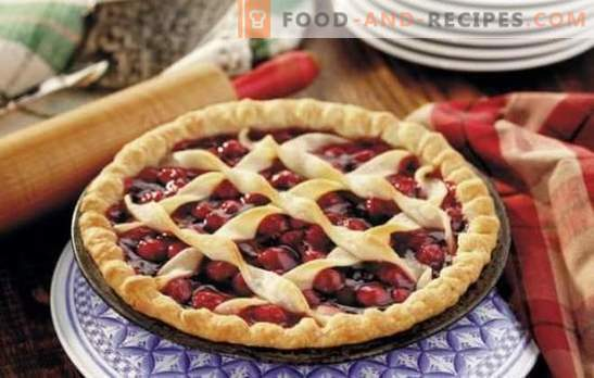 Summer pampers us with many faces with strawberry pies (recipes with photos). Variants of different strawberry pies: yeast, jellied, sandy