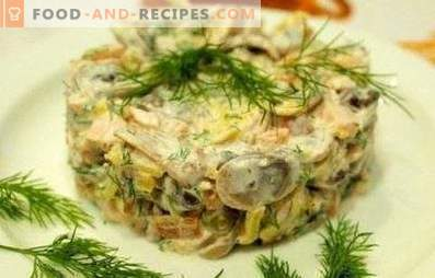 Salad with mushrooms and chicken