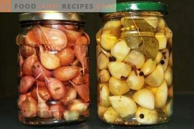 Pickled garlic for the winter