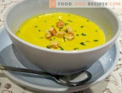 Soup of zucchini and pumpkin puree