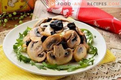 Salads with Chicken and Mushrooms